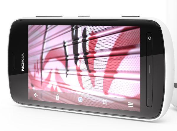 Nokia808PureView-01