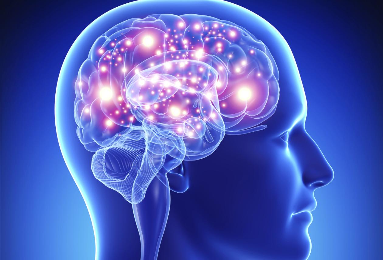 Esto es lo que le pasa a tu cerebro cuando revisas tu celular antes de dormir