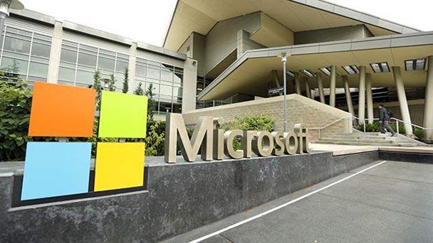 Ingresos de Microsoft superan pronósticos gracias a demanda por nube