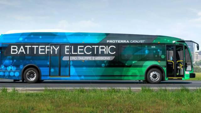 Desarrollan autobús eléctrico capaz de recorrer mil kilómetros con cada recarga de batería
